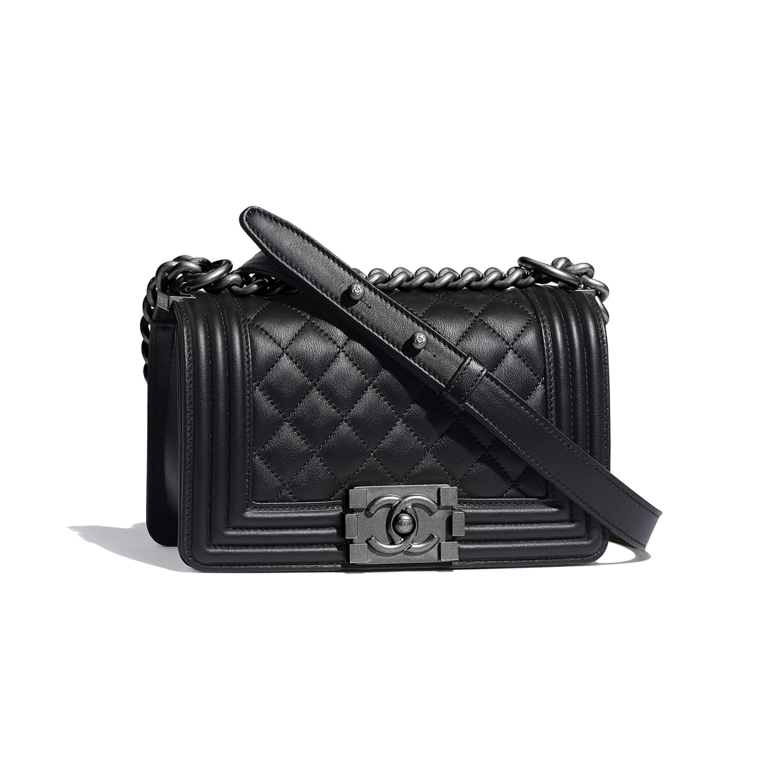 small-boy-chanel-handbag-black-calfskin-ruthenium-finish-metal-calfskin-ruthenium-finish-metal-packshot-default-a67085y0995394305-8824184176670.jpg